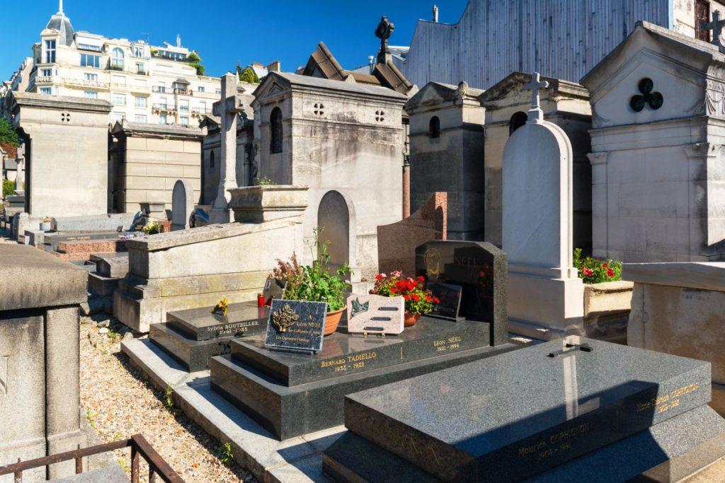 Nagrobki na cmentarzu Rzeszów