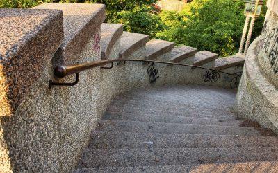 Zleć kamieniarzowi wykonanie schodów granitowych. Część 2.